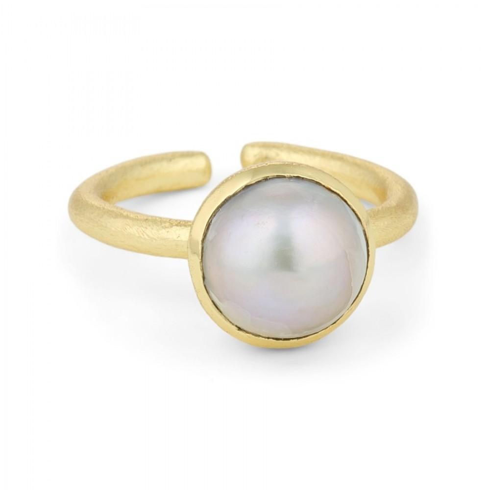 Ring med perle - guld/grå