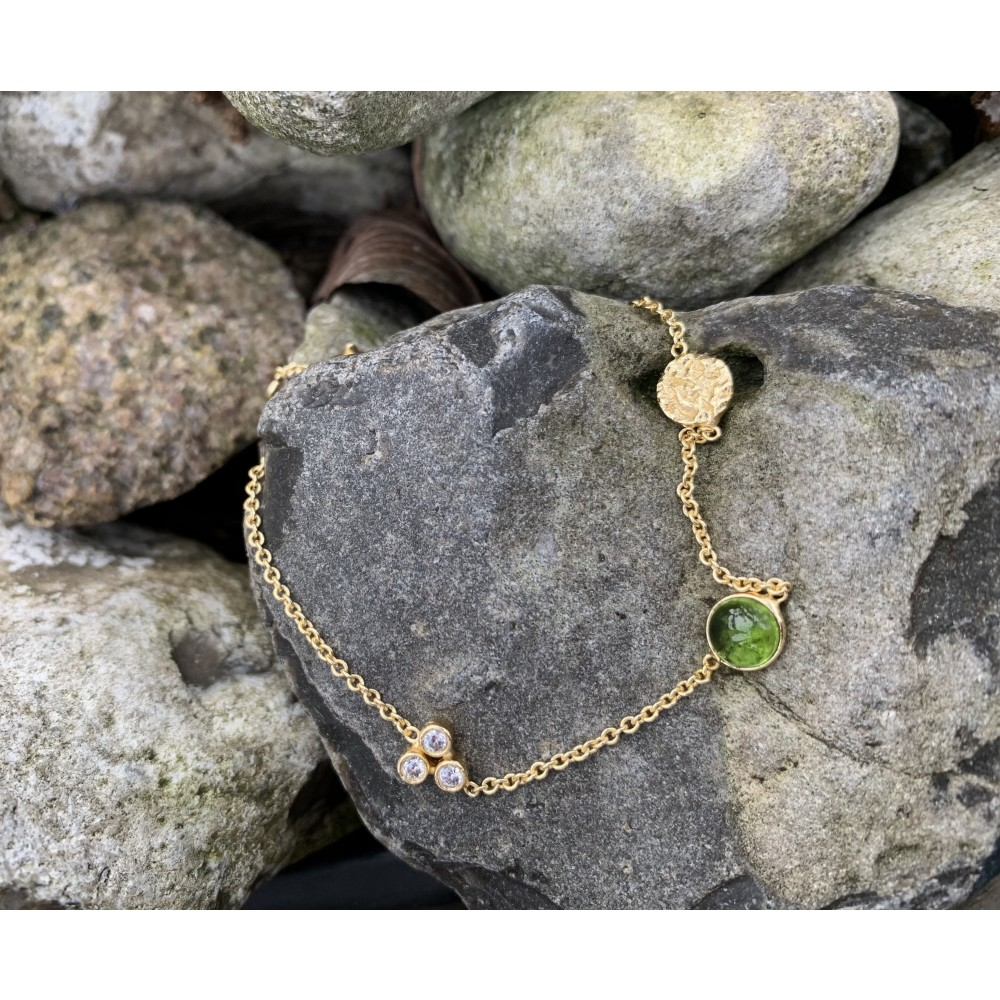 Armbånd m. vedhæng, grøn kvarts, guldbelagt