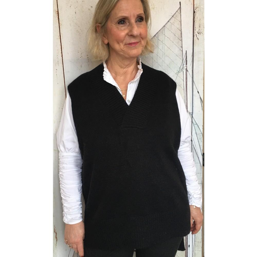 Laura vest, black