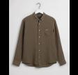 Regular fit garment-dyed hørskjorte - dark leaf